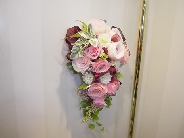 結婚式でお使いになったプリザーブドフラワーを壁掛け用に創りなおしました。02